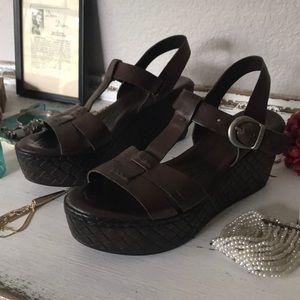 Born platform Fisherman sandals